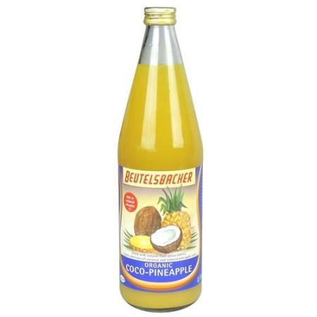 Zumo de coco y ananas